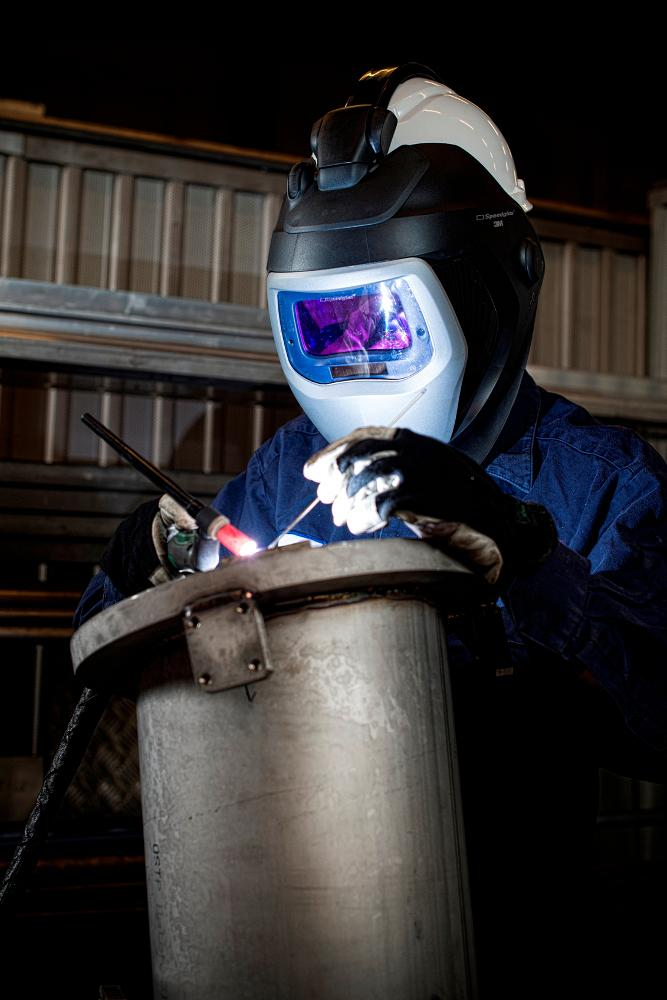Attachment Converts Hard Hat Into Autodarkening Welding Helmet