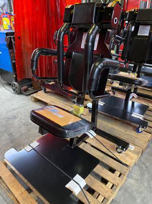由管制造的补充囚犯可调节约束(SPAR)椅子