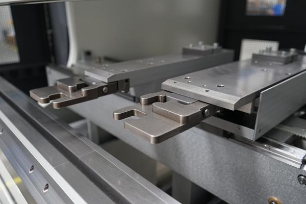 Puzzling together optimal flow in bending on a modernized