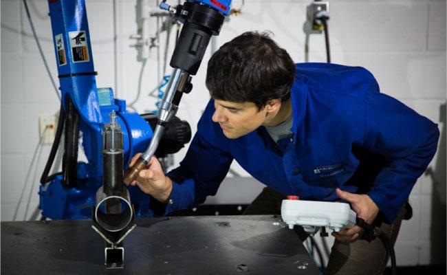 Robotic welding issues and challenges