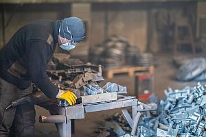 metal fabricator wearing PPE